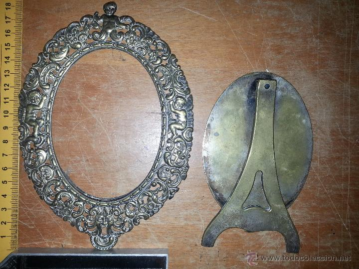 Antigüedades: antiguo porta retrato modernista marco religioso con angeles metal labrado sobremesa leer - Foto 3 - 53701080