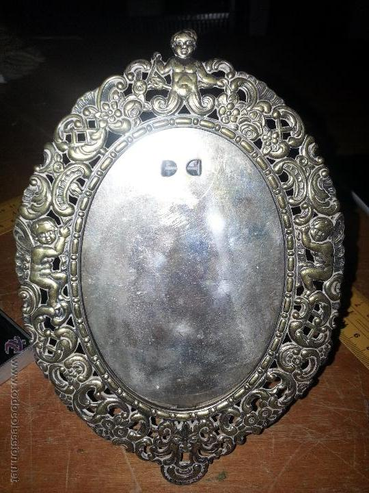 Antigüedades: antiguo porta retrato modernista marco religioso con angeles metal labrado sobremesa leer - Foto 14 - 53701080