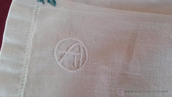 Antigüedades: antigua sabana bajera de algodon, bordado inicial a - Foto 2 - 53701436
