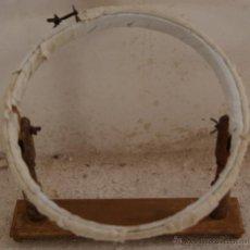 Antigüedades: ANTIGUA BORDADORA BASTIDOR DE BORDAR.. Lote 53703847