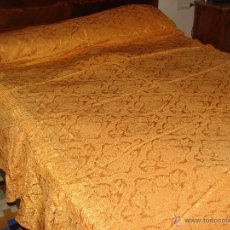 Antigüedades: ANTIGUA COLCHA COLOR ORO VIEJO. Lote 53712025
