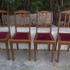 Antigüedades - Lote de 4 preciosas sillas ISABELINAS de madera maciza y noble y tapizado de terciopelo rojo. - 53713203