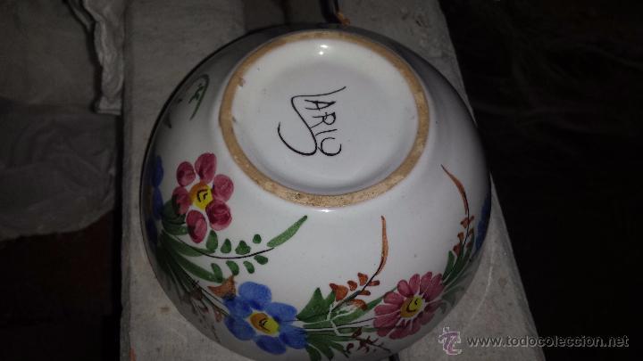 Antigüedades: precioso tazon pintado a mano, firmado lario - Foto 4 - 53713838