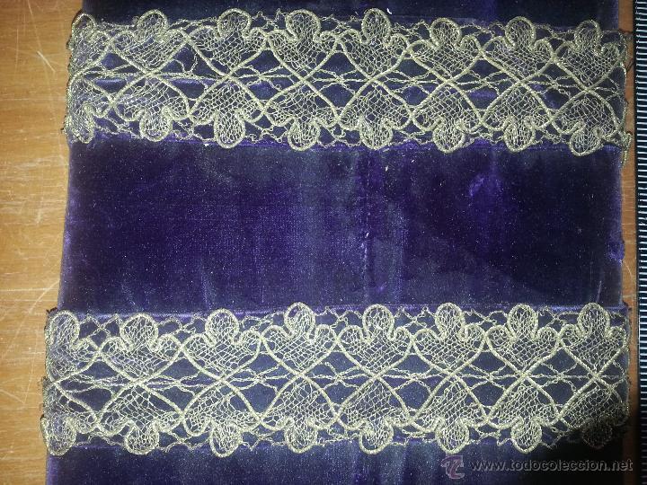 Antigüedades: ESPECTACULAR ANTIGUO MUESTRARIO ENCAJE ORO METALICO HOJILLA AÑOS 30 PARA CONFECCIONES VIRGEN - Foto 3 - 53720649