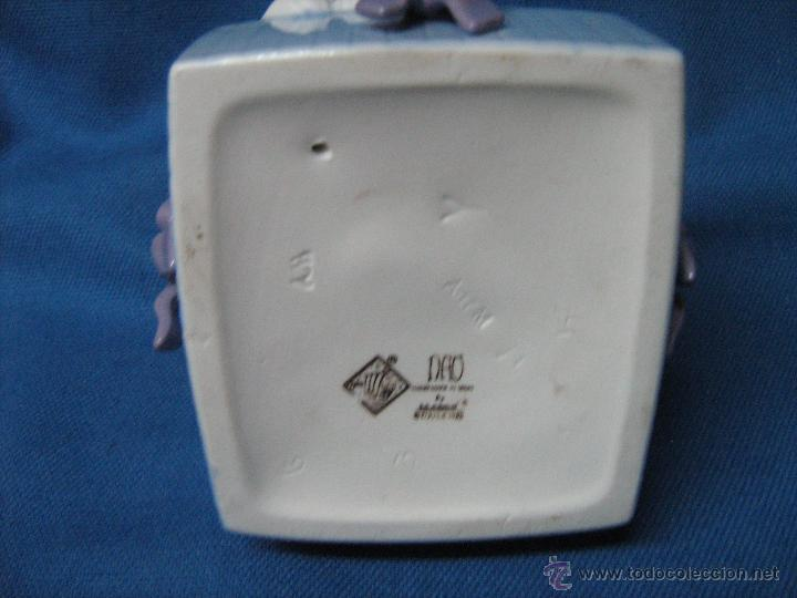 Antigüedades: PAREJA DE CONEJITOS EN UNA CAJA SELLADOS NAO LLADRÓ - 9,5 CM ALTO - Foto 2 - 53731880