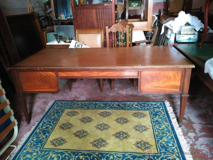 Antigüedades: Mesa de despacho con tapa piel marrón - Foto 2 - 41682170