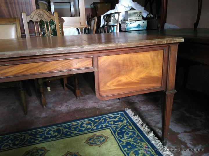 Antigüedades: Mesa de despacho con tapa piel marrón - Foto 3 - 41682170