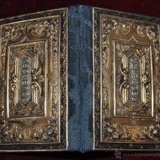 Antigüedades: AGENDA O PORTAFOTOS EN PLATA DORADA Y MOTIVOS REPUJADOS. SIGLO XIX. Lote 53744008