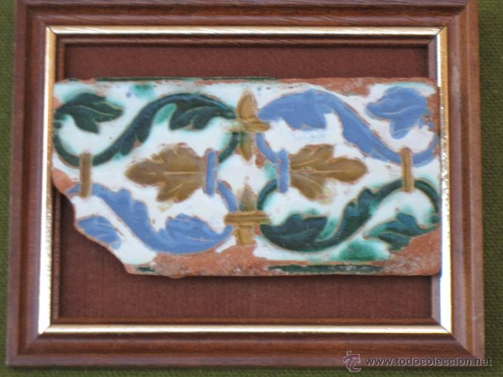 AZULEJO ANTIGUO DE TOLEDO - ARISTA O CUENCA - RENACIMIENTO - SIGLO XVI. TOLEDANO. (Antigüedades - Porcelanas y Cerámicas - Azulejos)