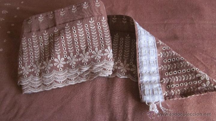 Antigüedades: Antigua cortina de hilo color teja bordada - Foto 2 - 95192143