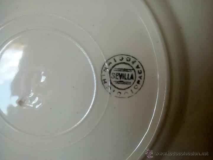 Antigüedades: PLATO LLANO. CHINA OPACA. SEVILLA. SAN JUAN DE AZNALFARACHE. FLORES Y DIBUJO MULTICOLOR. 1920 – 30 - Foto 7 - 53779360