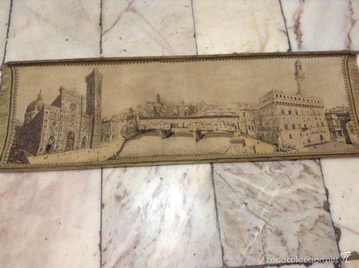 TAPIZ MUY ANTIGUO IMAGEN FLORENCIA (Antigüedades - Hogar y Decoración - Tapices Antiguos)