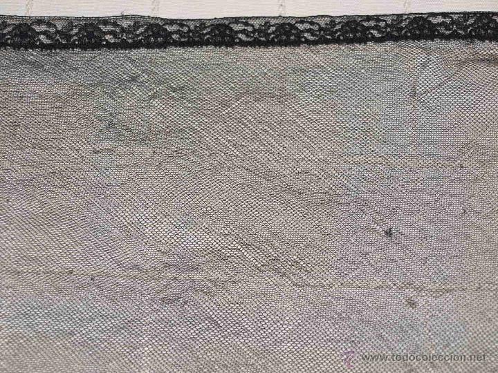 Antigüedades: MANTILLA SEMI OVALADA, TIPO TRES PICOS. 107 CM X 34 CM APROX. VER FOTOS Y DESCRIPCION. - Foto 10 - 53818653