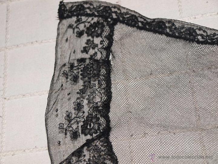 Antigüedades: MANTILLA SEMI OVALADA, TIPO TRES PICOS. 107 CM X 34 CM APROX. VER FOTOS Y DESCRIPCION. - Foto 14 - 53818653