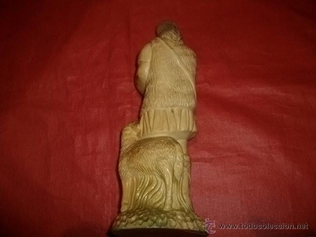 Antigüedades: FIGURA DE PASTOR CON OVEJAS EN RESINA 22 CM - Foto 3 - 53828853
