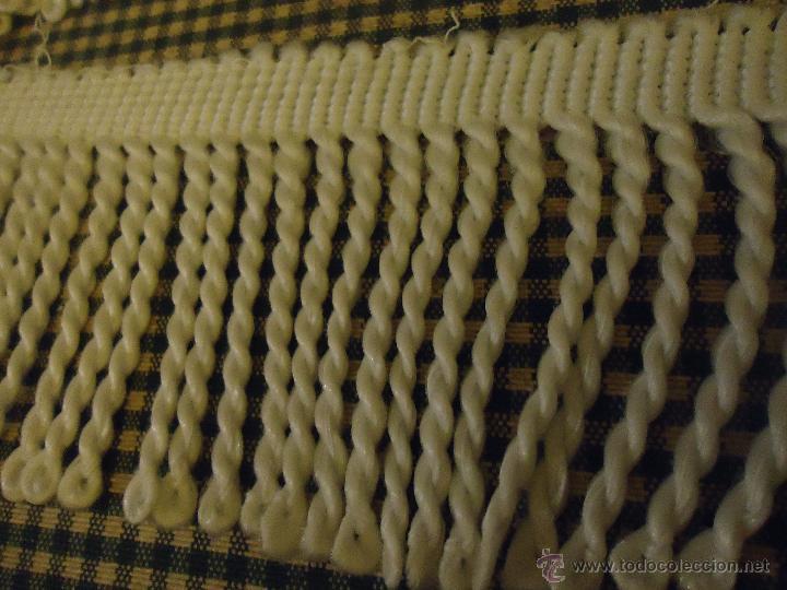 Antigüedades: preciosos flecos para colcha blanco 6,5 metros aproximados x6 cm ancho , ideal colchas cortinas, et - Foto 2 - 53847811