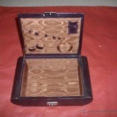 Antigüedades: ANTIGUO COSTURERO. Lote 53847983