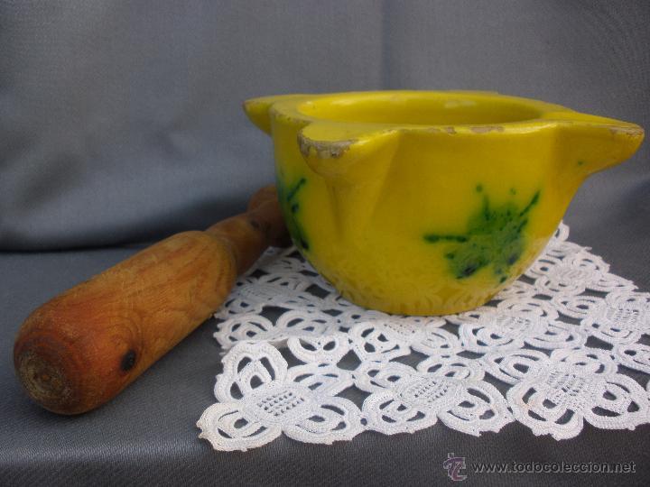Antigüedades: Antiguo mortero almirez ceramica vidriada con maza de madera - Foto 4 - 53850346