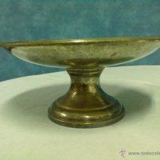 Antigüedades: FRUTERO CENTRO MESA METAL PLATEADO PARA PULIR LAINOR BILBAO. Lote 53902766