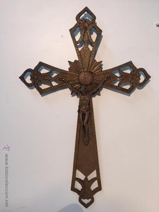 CRUZ O CRUCIFIJO DE BRONCE ANTIGUO. 43CM. (Antigüedades - Religiosas - Crucifijos Antiguos)