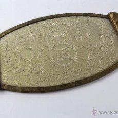 Antigüedades: BANDEJA DE BRONCE CON PUNTAS DE BOLILLO.. Lote 53956194