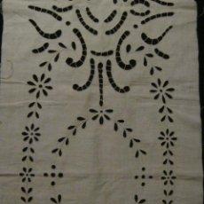 Antigüedades: ANTIGUO ENCAJE RICHELIEU SOBRE LINO PPIO.S.XX. Lote 53964205