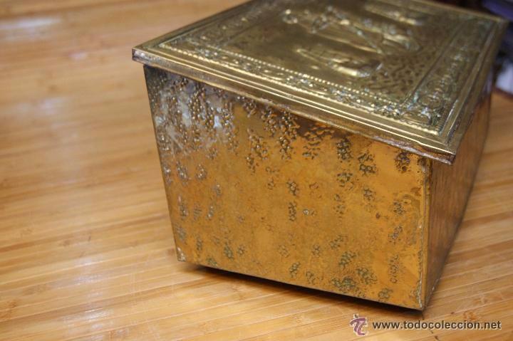 Antigüedades: BAÚL COFRE EN MADERA FORRADO DE METAL REPUJADO - Foto 12 - 53964651