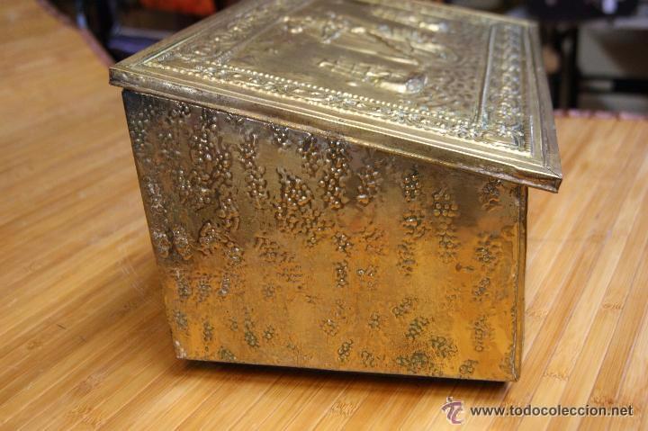 Antigüedades: BAÚL COFRE EN MADERA FORRADO DE METAL REPUJADO - Foto 15 - 53964651