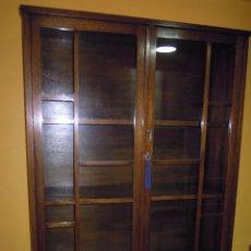 Antigüedades: VITRINA ANTIGUA DE MADERA COMPLETA.. Lote 76162662