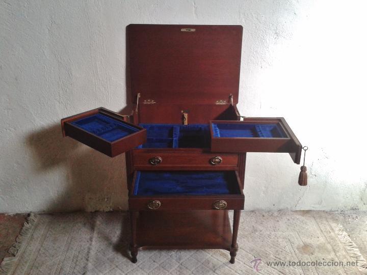Antigüedades: Mueble auxiliar antiguo. Mueble joyero expositor antiguo. Cajonera secreter antigua estilo luis XVI - Foto 7 - 151485150