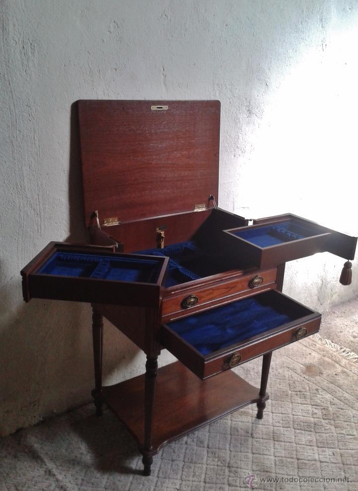 Antigüedades: Mueble auxiliar antiguo. Mueble joyero expositor antiguo. Cajonera secreter antigua estilo luis XVI - Foto 9 - 151485150