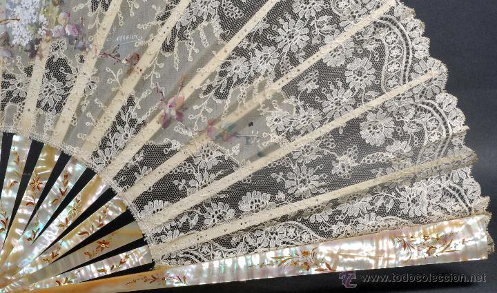 Antigüedades: Abanico varillas nácar país seda pintada escena Cupido y encaje S XIX firmado Lesieur caja - Foto 2 - 54055013