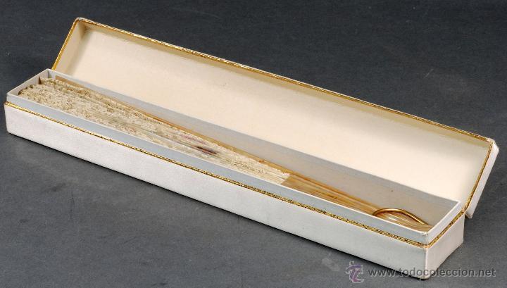 Antigüedades: Abanico varillas nácar país seda pintada escena Cupido y encaje S XIX firmado Lesieur caja - Foto 11 - 54055013