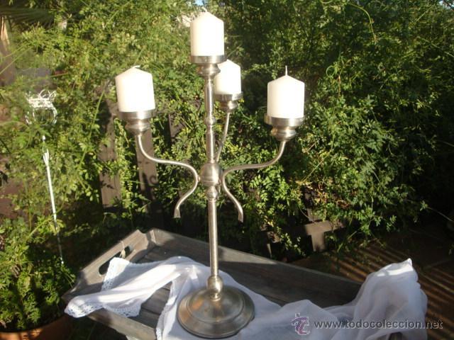 Antigüedades: Antiguo candelabro de metal - Foto 2 - 54064936
