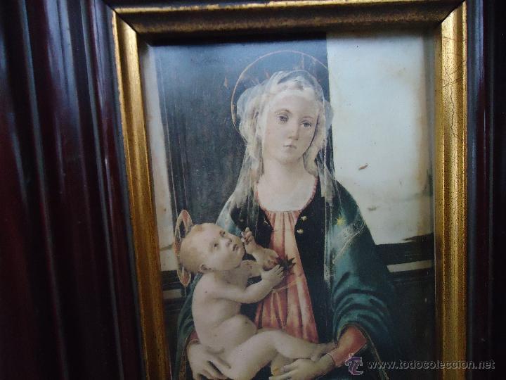 Antigüedades: ANTIGUO PRECIOSO MARCO MADERA CON IMAGEN DE LA VIRGEN Y NIÑO JESUS - CON CRISTAL 25X20 CM - Foto 2 - 54080101