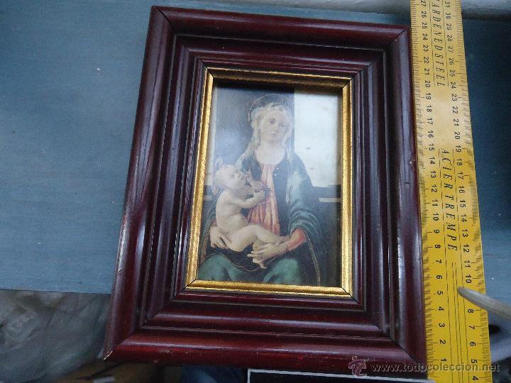 Antigüedades: ANTIGUO PRECIOSO MARCO MADERA CON IMAGEN DE LA VIRGEN Y NIÑO JESUS - CON CRISTAL 25X20 CM - Foto 3 - 54080101