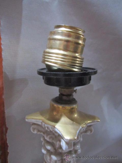 Antigüedades: Pareja de lámparas de sobremesa en porcelana Salvador Mayol, con amorcillos. 48 cms. altura. - Foto 4 - 54096510