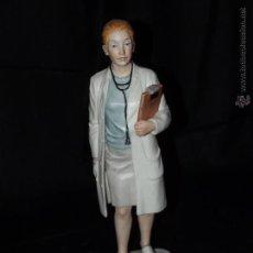 Antigüedades: FIGURA DE DOCTORA EN AUTÉNTICA PORCELANA DE ALGORA DOCUMENTADA. SERIE LIMITADA EN PERFECTO ESTADO.. Lote 54107120