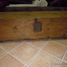 Antigüedades: COFRE BAÚL ANTIGUO SIGLO XVII BONITO CON UNA CERRADURA PRECIOSA.. Lote 54132069
