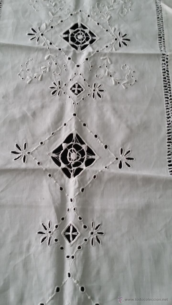 Antigüedades: Tapete antiguo - lino bordado - Foto 5 - 54192178