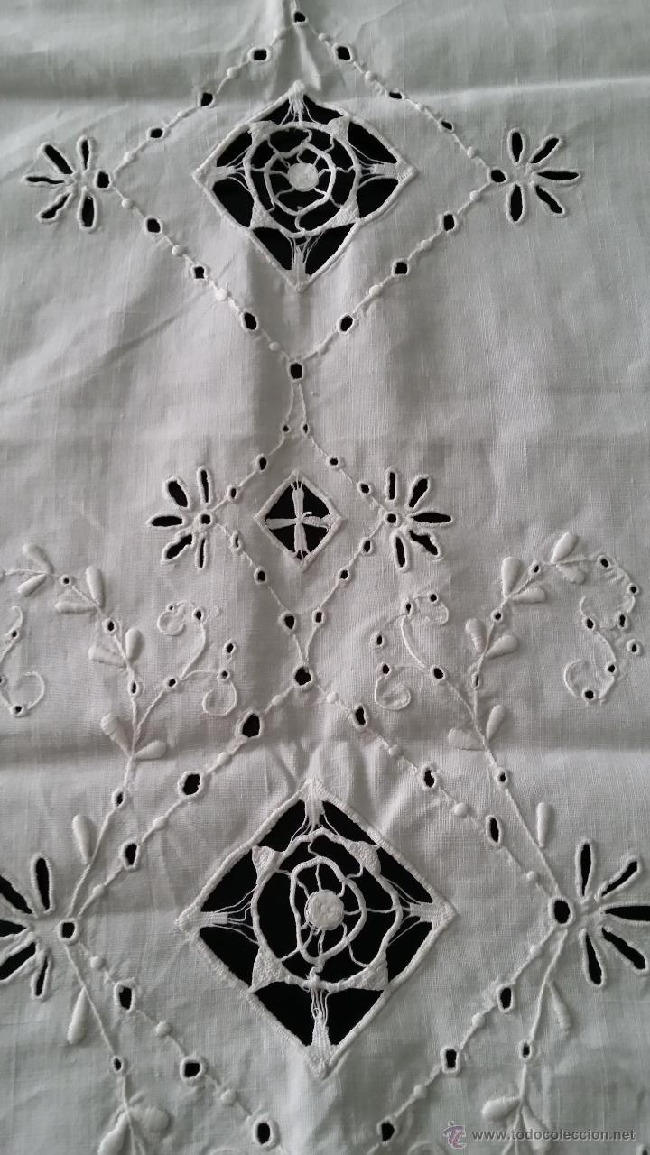 Antigüedades: Tapete antiguo - lino bordado - Foto 7 - 54192178