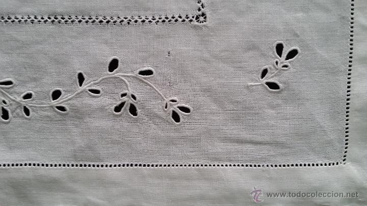 Antigüedades: Antiguo tapete bordado - Foto 4 - 54194386