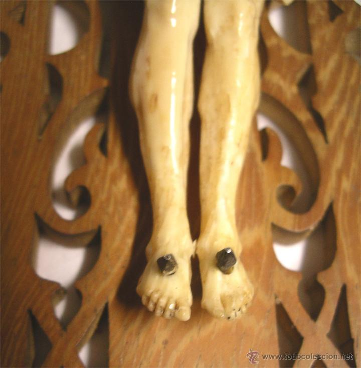 Antigüedades: Cristo Crucifijo 4 clavos talla de Marfil S XIX, buen estado. Med. cruz 38 x 23 cm. - Foto 6 - 54264016