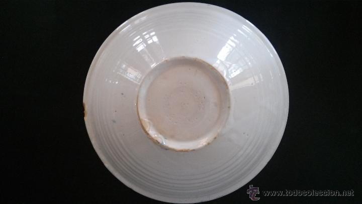 Antigüedades: Plato, fuente, de cerámica de Olivares (Zamora) o de Talavera - hoja , flor de perejil - Foto 3 - 54298585