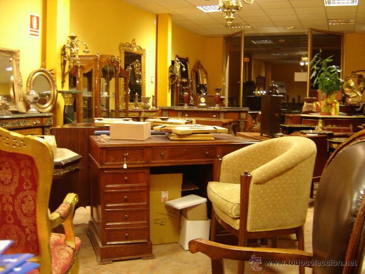lote 100 muebles antiguos cierre por jubilación - Comprar Cómodas ...