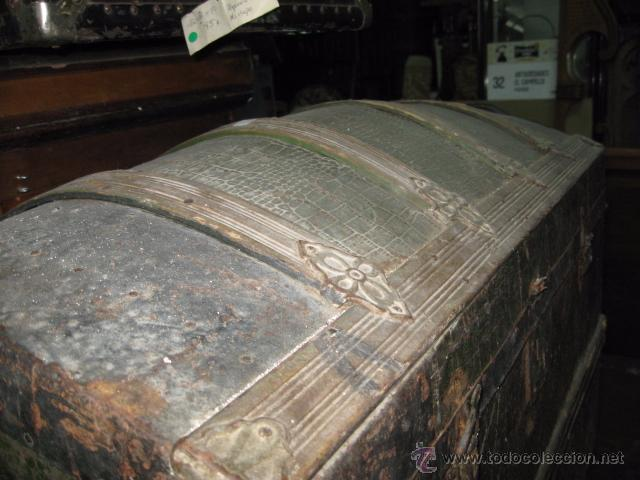 Antigüedades: Antiguo Baul de Madera color verde grande medida 55 cm. altura ancho 86 x 46 cm. - Foto 3 - 54310196