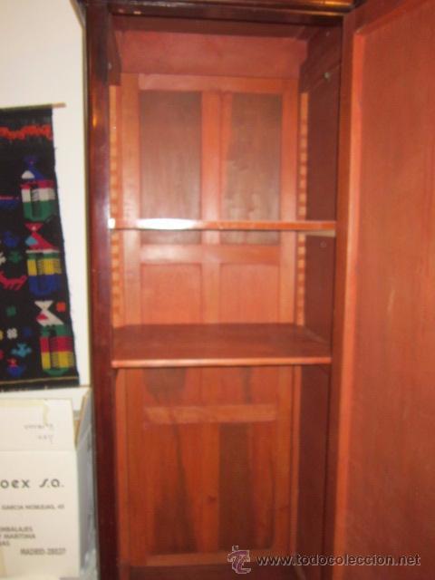Antigüedades: Armario inglés de grandes dimensiones chapado en caoba con dibujo de marquetería. - Foto 9 - 54313821