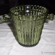 Antigüedades: BONITA CUBITERA DE CRISTAL VERDE. Lote 54319699