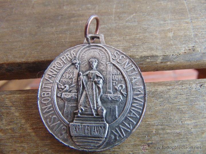 56e2950d4bd MEDALLA DE CASTIBLANCO SEVILLA SAN BENITO ABAD (Antigüedades - Religiosas -  Medallas Antiguas)