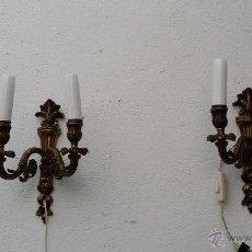 Antigüedades: PAREJAS DE APLIQUES DE BRONCE. Lote 54372743